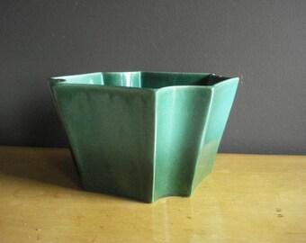 Gorgeous Green Planter - Vintage Kelly Green Ombre Haeger Bowl - Planter or Fruit Bowl - Geometric Ceramic Pottery Planter