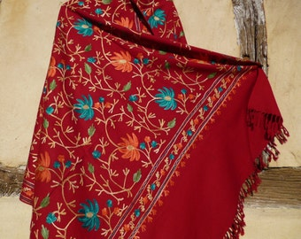 """Gorgeous Red Embroidered Pashmina. 100%  wool shawl/stole. 84 x 40"""". Kashmir. 214 x 102 cm"""