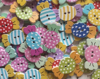 Pack of 10 wooden sweetie candy buttons