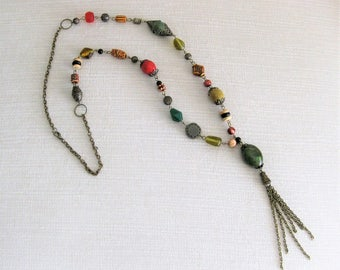 Beaded Necklaces, Long Beaded Necklace, Green Necklace, Tassel Necklaces, Long Chunky Necklaces, Long Necklace, Long Bead Necklace, N911