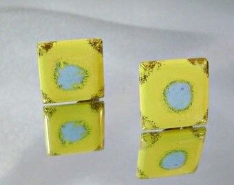 ON SALE Vintage Ceramic Earrings. Yellow Baby Blue Gold Gilt