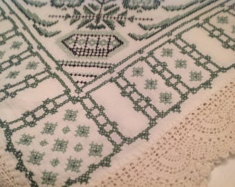 Crosstitched Table Cloth Vintage ~ Hand Crocheted Trim Table Cloth ~ Vintage Linens ~ Green And White ~ Fine Linens ~ Old Table Linens ~