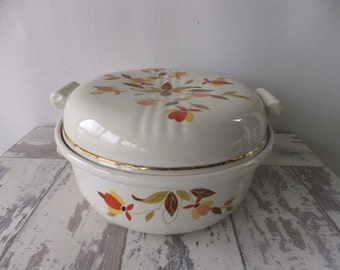 Vintage Jewel Tea Autumn Leaf Covered 2 Qt Casserole with Lid Tootsie Handles Hall's Superior Mary Dunbar Retro Kitchen