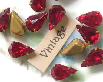 Vintage Rhinestones,Siam rhinestones, Red rhinestones,set rhinestones,glass rhinestones, Pronged Setting Teardrop 6x10mm Tarnished N1227B