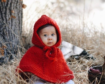 Red baby poncho. Baby Christmas outfit. Little Red Riding Hood. Wool cape. Baby Shower Gift. Christmas Photo Prop. Baby girl clothes