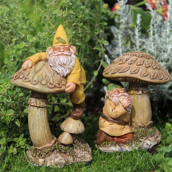 Gnomes Eddie and Freddie w/3 Mushrooms (4.5″ Tall & 3.25″ Tall)