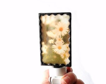 Daisy night light, stained glass nightlight, flower night light with on off switch, hallway light, flower photograph, plug in night light