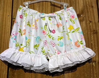 Spring flowers print bloomers with white lace and ruffles