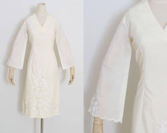 Vintage 60s Dress | vintage 1960s dress | ivory cutwork bell sleeve | m/l | 5404