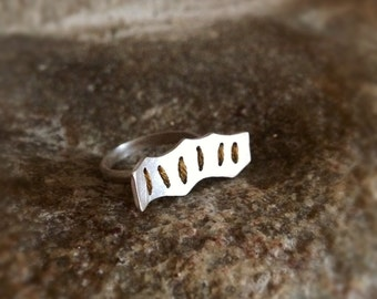 Floating Bar Embroidered Sterling Silver Ring