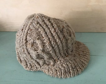 Vintage Jerry Magnin Hand Knit Newsboy Cap Messenger Hat Beige Heather 100% Wool Cute Classic Warm Winter Fashion Made in England New