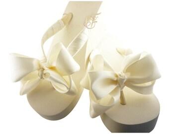 Bridal Wedge Flip Flops, Double bow Wedding Flip Flops/ Bridal sandal satin knot/ wedding Ivory Platform Plain Heel White Bride bridesmaids
