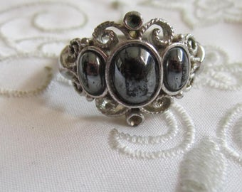 Vintage Avon Silver Tone Ring with Curl Designs and Black Hematite Stones