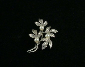 Van Dell Cultured Pearl Sterling Silver Pin, Leaf Design, Textured Front Shiny Back