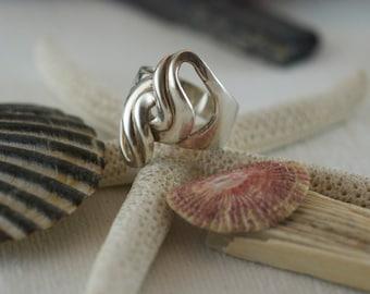 Vintage Sterling Silver 925 Modernist Free Form Interlocking Swirl Ring US 7.25  .....6275