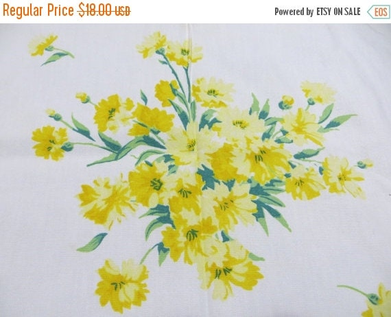 ON SALE Vintage Tablecloth-Classic 1950s-Wilendur-Hard To Find Pattern-Yellow Floral