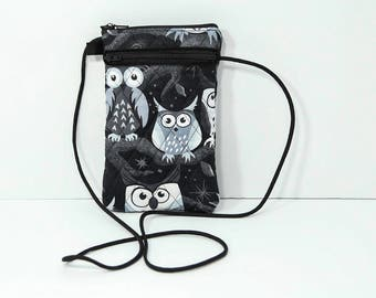 Smartphone passport case in Black & White  Owls