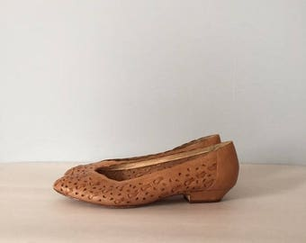 30% OFF SALE... chestnut woven leather pumps | braided cut out leather flats | 8.5
