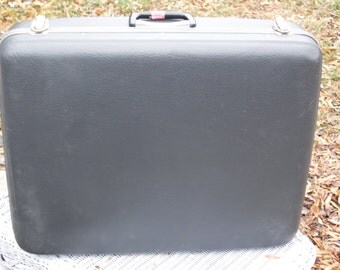 Suitcase vintage large Platt suitcase blue exterior cream interior has a KEY ready for travel display prop storage 18 1/2 by 24 x 5