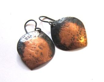 Hammered copper petal earrings Rustic antiqued patina dangles Niobium leaf earrings Metalwork jewelry