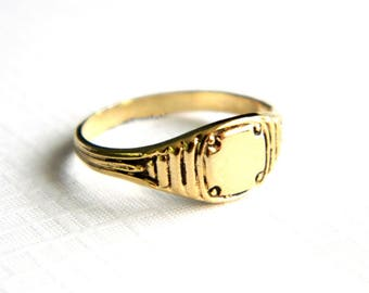 Vintage Victorian Insignia Gold Initial Ring - Blank Shield Signet - Engraveable - Monogram - NOS - Size 5 and 6
