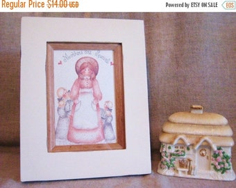 Heirloom White and Oak Wood Frame with Vintage Mother/Daughter Card / Framed Vintage Card - Mother, 2 Daughters