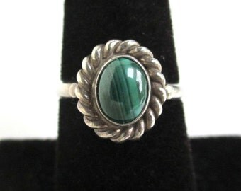 925 Sterling Silver & Malachite Green Stone Ring - Vintage, Size 6 3/4