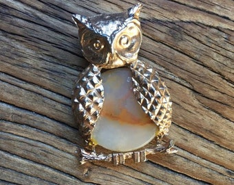 Vintage Gold-Tone Owl Pendant with Stone / Animal Jewelry / Bird Necklace / Charm