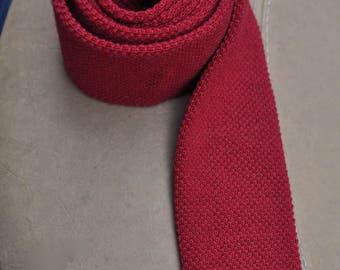 Skinny Wool Tie in Wine