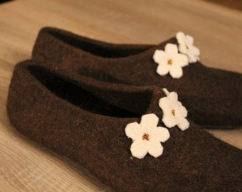Women slippers - felted slippers for woman - wool slippers - made to order - eco friendly - Mother's day gift - Easter gift