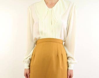 VINTAGE Ivory Blouse Chiffon Collar White Shirt
