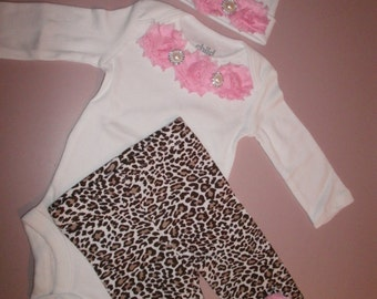 Take me Home Outfit, 3 Pcs. Set, Pink Flowers, Coming Home, Newborn, Complete Infant Set, Photo Prop,Baby Shower, Gift