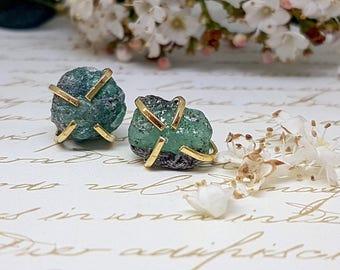 Raw Emerald Earrings, Raw Emerald Stud Earrings, Green Emerald Earrings, May Birthstone Earrings, Rough Gemstone Earrings, Green Earrings