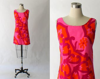 1960s Barkcloth Mini Dress // 60s Vintage Short Hot Pink Floral Cotton Shift Dress // Medium