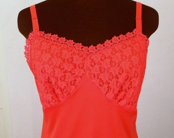 Vintage 50's 60's  Full Slip Bright Lipstick Red Nylon with Lace Trim Size 38 MINT