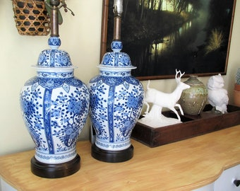Vintage Chinoiserie table lamp pair/ blue and white porcelain lamp set/wood base