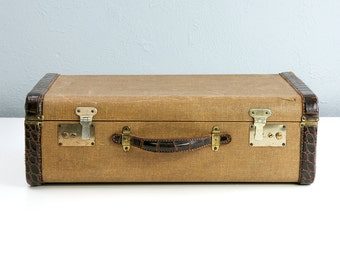 Vintage Suitcase with Faux Alligator Trim, Suitcase Vintage 1920s, Antique Suitcase, Tweed Suitcase, Old Suitcase, Photo Props, Movie Props