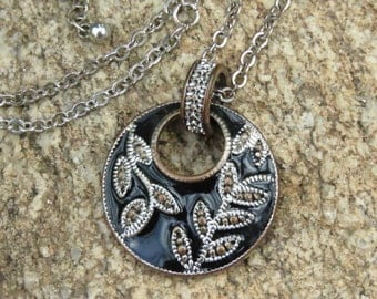 Vintage Circle Necklace, Black and Silver Tone, Autumn Wear, Leaf Design, Black Tie Affair, Costume Jewelry, Ladies, Valentine's Day Gift