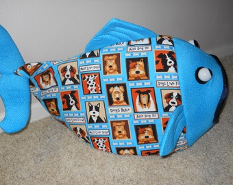 Fish Shaped Pet Bed Dog House Teal with Dogs