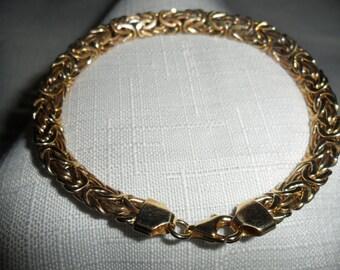 Vintage 14K Gold Byzantine Bracelet Size 8