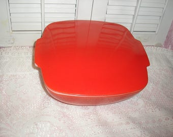 Estate;Vintage; 2.1/2 Quart Red Pyrex W/Lid Casserole