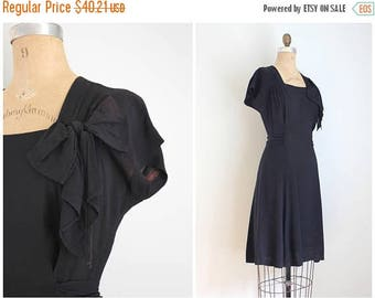 SPRING SALE vintage 1940s black rayon crepe dress - little black dress / short sleeve black dress - 40s dress / rayon crepe dress - 40s cost