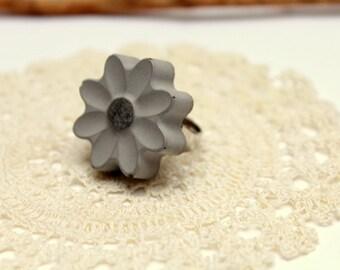Ring flower concrete