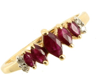 Vintage Beautiful 10K Marquise .10CTTW Ruby Rubies Dimond Band Ring Size 7