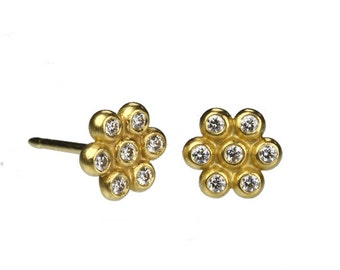 Diamond Flower Stud Earring - 22k