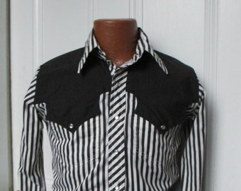 70's Vintage Men's Rodeo Cowboy Shirt small slim