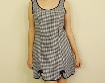 60s Vintage Houndstooth Dress in Navy and White  with Bow Detail Pin Up B