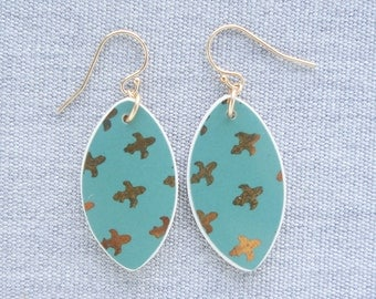 Evergreen Fleur De Lis Earrings Broken Recycled China Jewelry Material and Movement