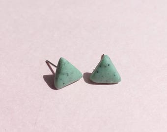 Green triangle earrings, granite clay earrings, green studs, geometric earrings, pistachio earrings, clay studs