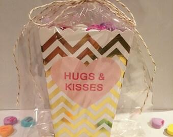 XOXO SALE Favor Box Set - 24 Party Favor Boxes with Heart Stickers, Wedding Favor Box, Candy Box, Popcorn Box, Valentine's Treat Box